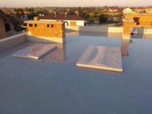 Випробування на герметичність. - басейн на даху протягом двох тижнів.