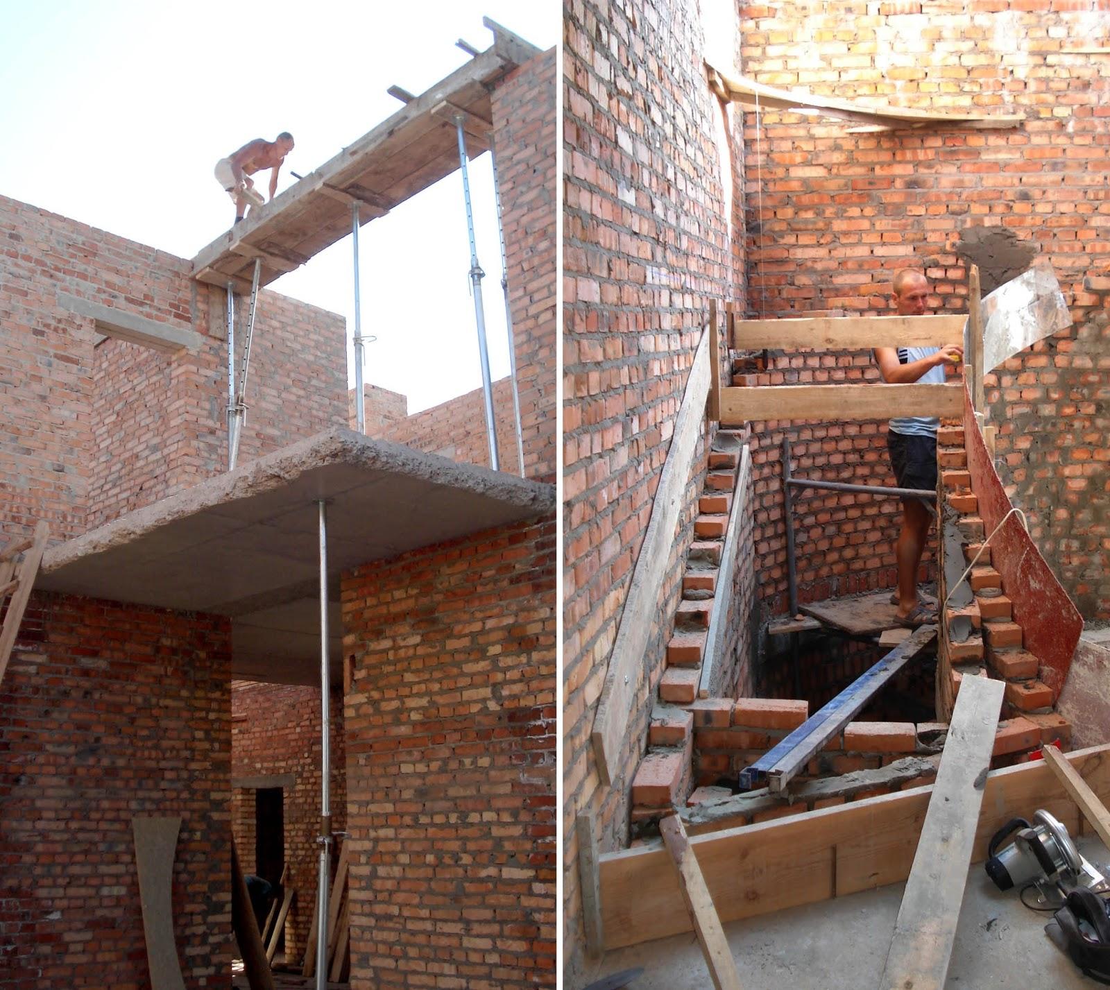 Фото 1. Внутрішній оглядовий балкон з другого поверху в об'ємі другого світла майбутньої вітальні. Фото 2. Основа під монолітні сходи на другий поверх